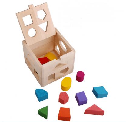 Cube intelligent en bois