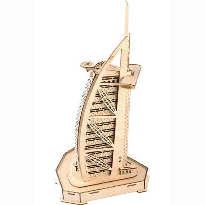 Maquette du Dubai Sailing Hotel (Burj Al Arab) en bois