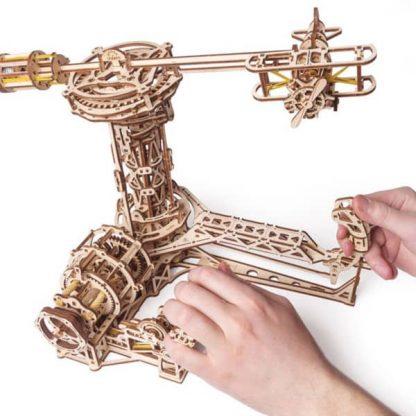Maquette 3D en bois manège à avions 2