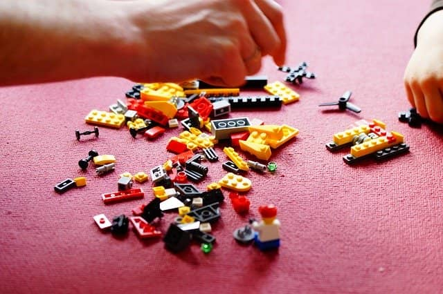 Jouer et partager un moment d'exception avec votre enfant en construisant nos maquettes